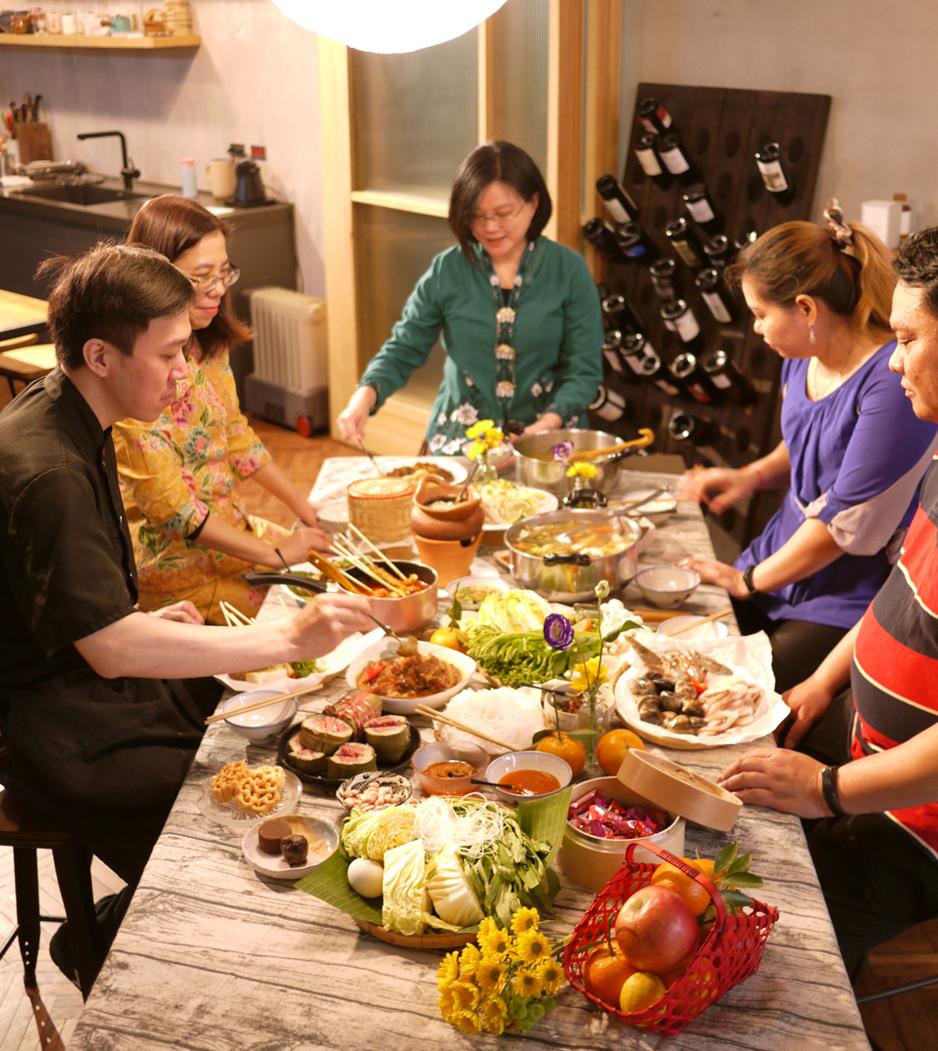 Archive-Family-Dinner.jpg