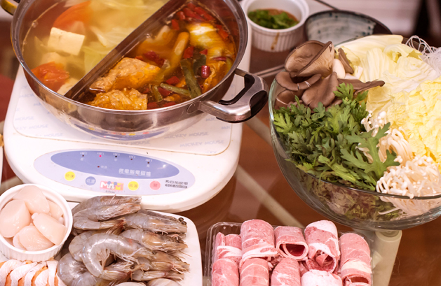 Archive-Family Dinners-02 Family of Taiwan